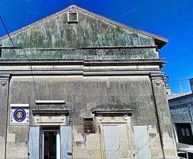 Sull'abbattimento del vecchio cinema a Castrignano de'Greci