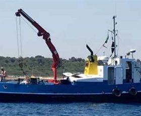 Continua l'attività in mare di Tap, i manifestanti protestano con barche e pattini