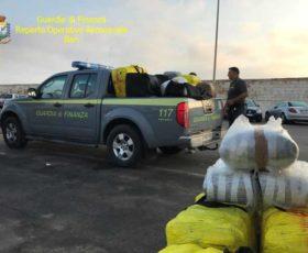 San Cataldo, sequestrato natante carico di oltre sei quintali di marijuana. Arrestati due albanesi