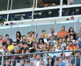 I ragazzi delle scuole leccesi allo Stadio con i biglietti riservati al Comune