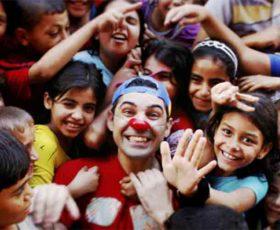Clown Pimpa: la testimonianza di un missionario del sorriso in zone di guerra